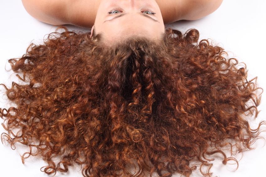 krøllet hår styling